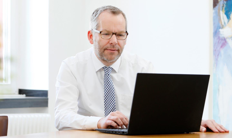 Bernd Rühland, LL.M. Rechtsanwalt, Steuerberater