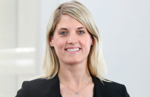 Eva Tübing, Steuerberaterin
