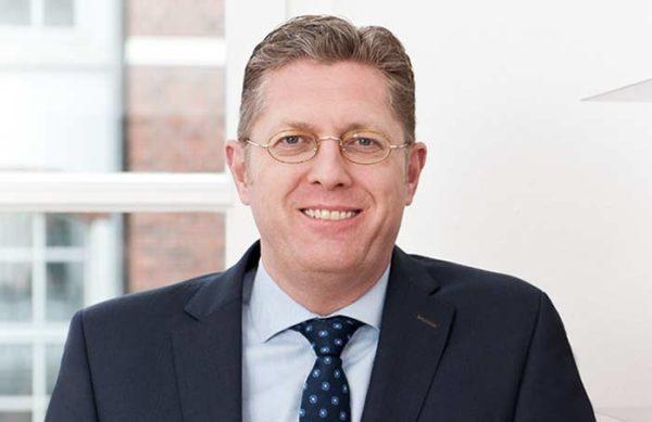 Dr. Lutz Starek