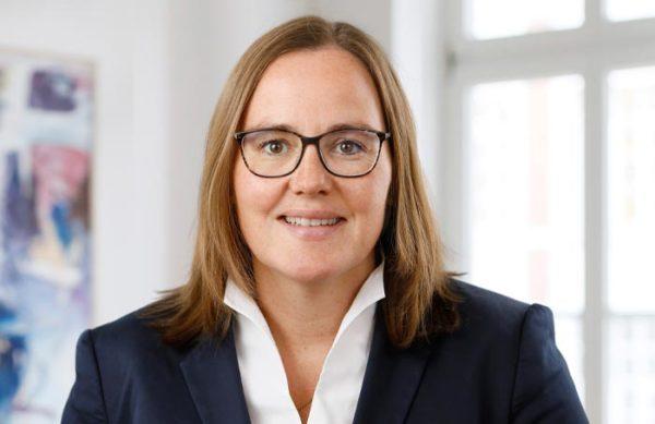 Dr. Claudia Stork