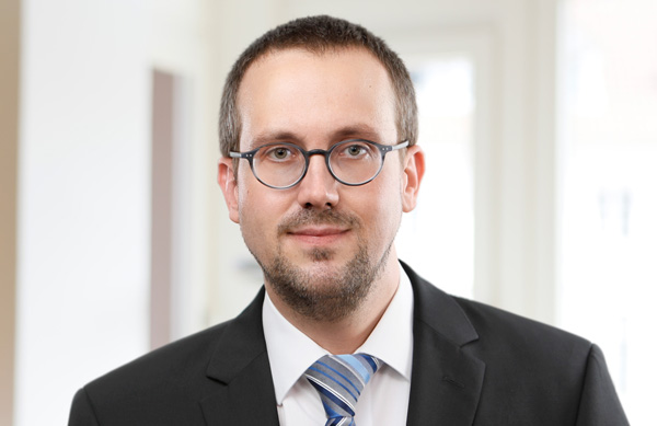 Oliver Lambrecht, Steuerberater
